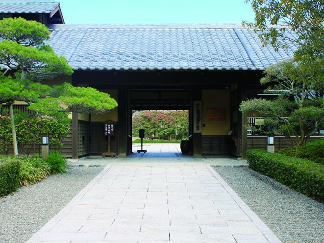 芦屋釜の里〜季節の花と緑あふれる3000坪の日本庭園〜